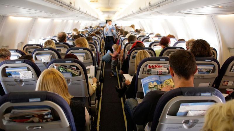comportamenti da evitare in aereo